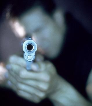 Denuncia il killer perché non è riuscito a uccidere la vittima che aveva scelto